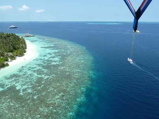 Bandos view from para sailing