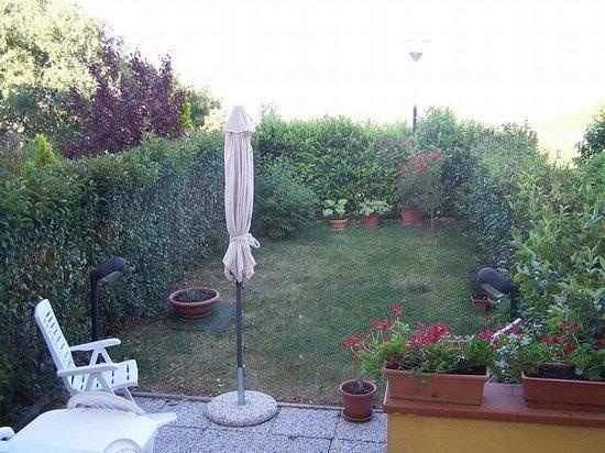 Borgo Bellavista : giardino appartamento