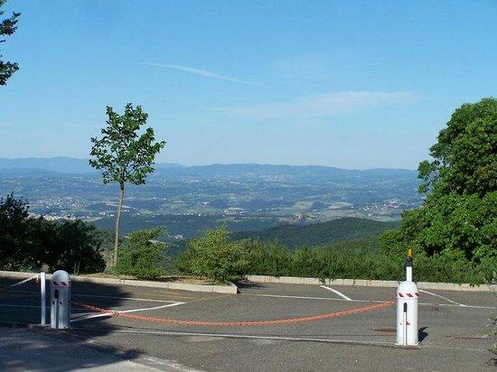 Borgo Bellavista : vista dalla piscina