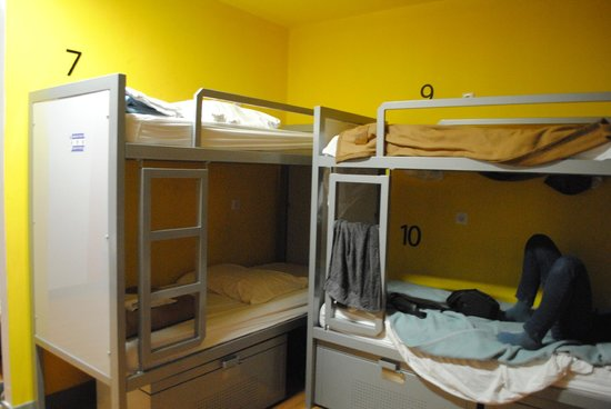 White Tulip Hostel: 10 bed room