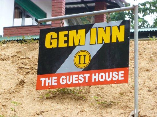 Gem Inn II - Guest House: Hotelschild