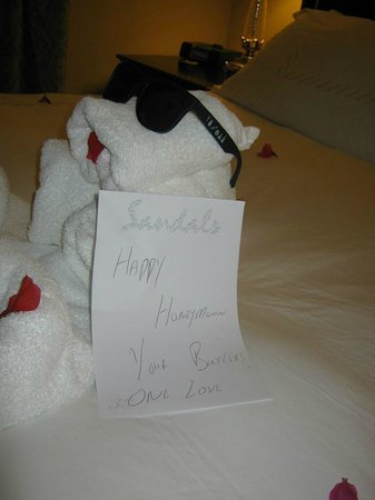 Sandals Ochi Beach Resort: Note from our Butlers