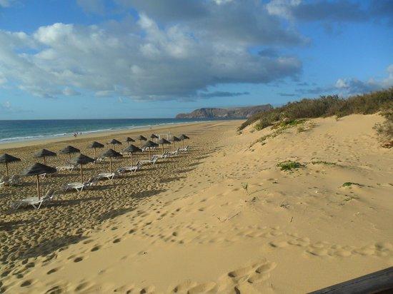 Pestana Porto Santo All Inclusive : Beach to right of boardwalk