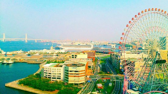 The Yokohama Bay Hotel Tokyu: 部屋のバルコニーから