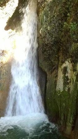 Cueva del Agua y Santuario de Tiscar