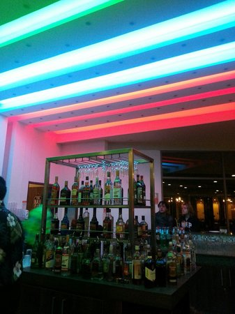 Rosa Agustina Conference Resort & Spa: Bar