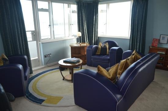 Burgh Island Hotel: lounge