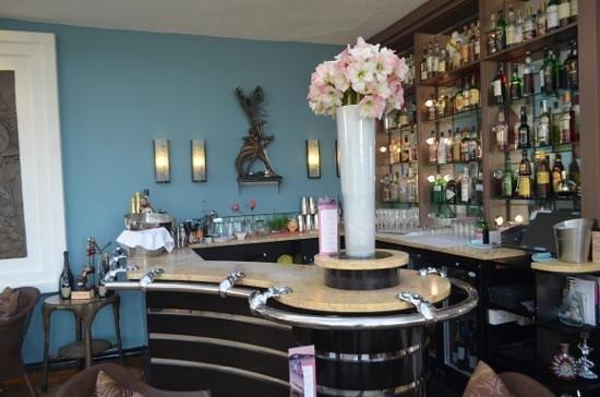 Burgh Island Hotel: bar