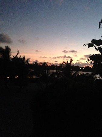 Holiday Inn Resort Kandooma Maldives: sunset