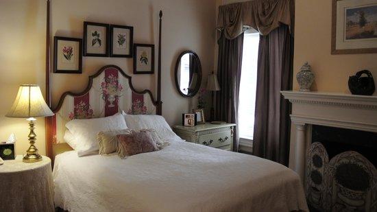 Swann House: Bedroom #2