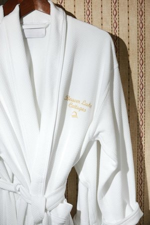Beaver Lake Cottages : Plush bathrobes provided for your use