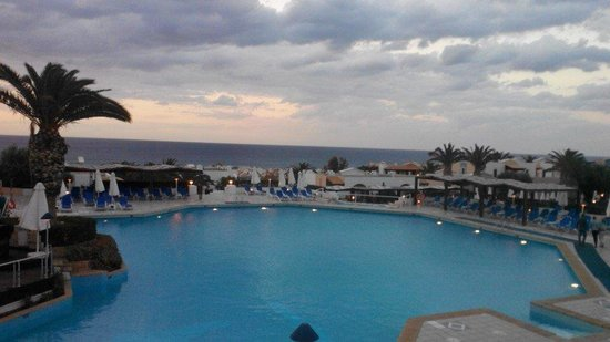 Aldemar Royal Mare Thalasso Resort: Бассейн курорта