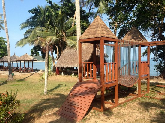The Lipa Lovely Beach Resort: Play ground