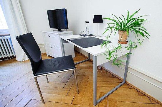 SmartSpot : Schreibtisch Zimmer Birsig
