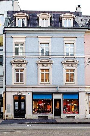 SmartSpot : Theaterstrasse 16, 4051 Basel