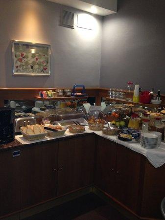 Hotel Angelica: Buffet breakfast
