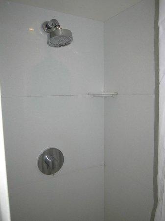 Safestay York: The shower