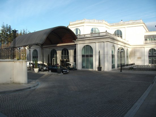 Powerscourt Hotel, Autograph Collection : Front entry