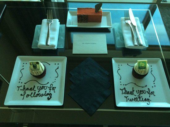 Four Seasons Hotel Las Vegas: Surprise cake selection in the room.