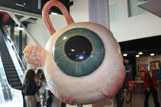 CORPUS 'journey through the human body': Foto's maken kan niet maar het oog stond in de hal
