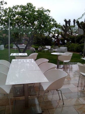 Hotel de Silhouette : jardin hotel
