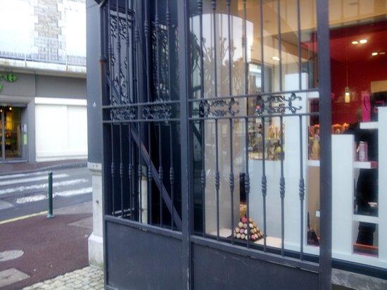 Hotel de Silhouette : entrada calle