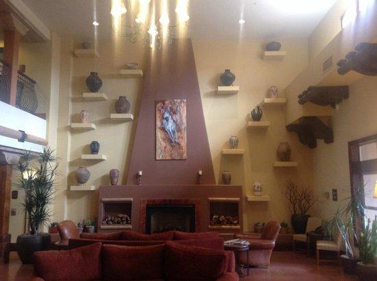 Sheraton Desert Oasis: Club Room Lobby