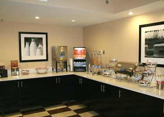 Hampton Inn Dallas/Ft. Worth Airport South: Breakfast Area