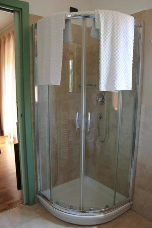 Hotel Il Monte: La doccia