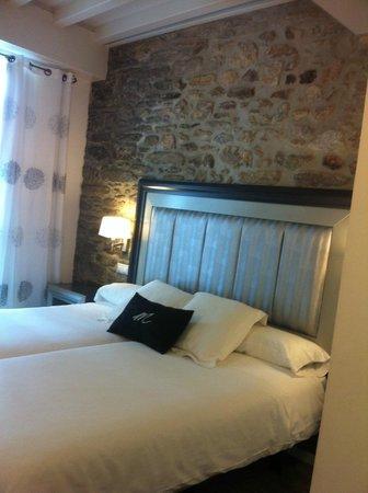 Hotel Montenegro Compostela: O Quarto