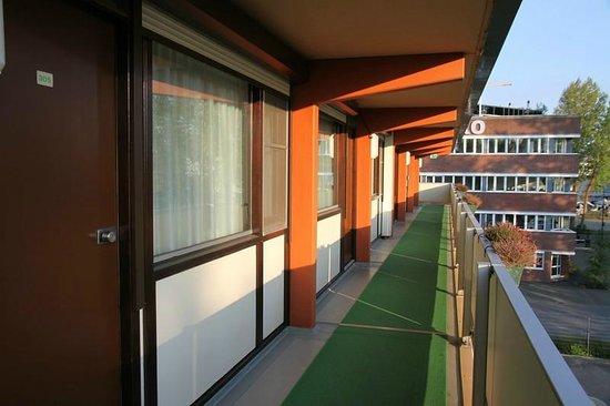 Campanile Hotel Gouda: Zugang zu den Zimmern