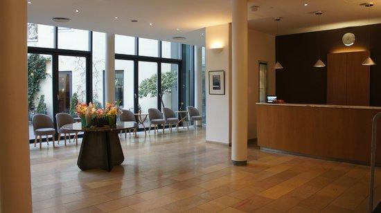Hotel Das Triest: lobby