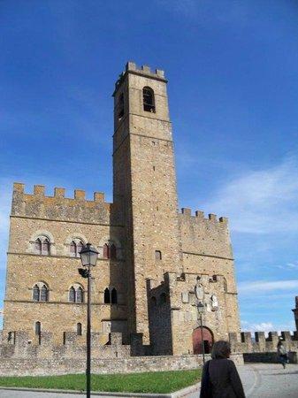 Guida Turistica Arezzo-Cortona - Silvia Vecchini: Poppi