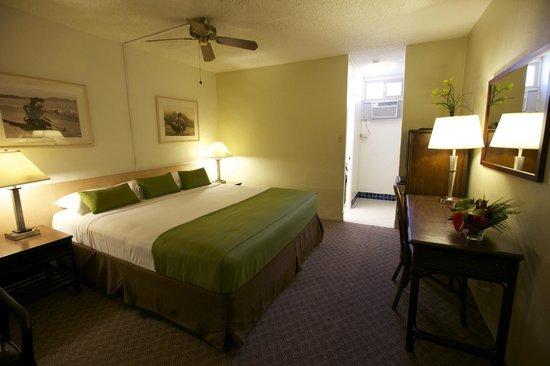 Maui Seaside Hotel: Deluxe Room