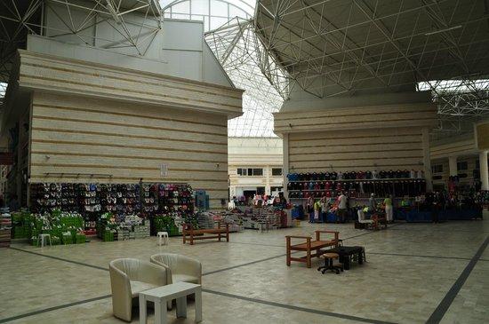 Side Star Resort: Shopping