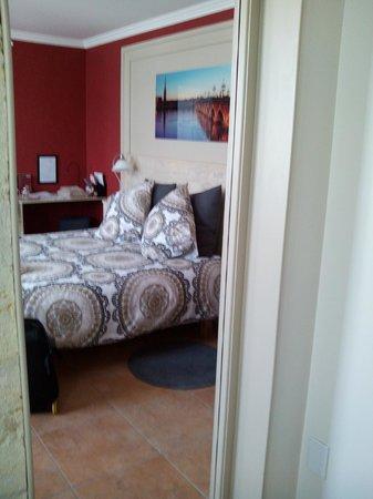 La Maison Cachee : Dormitorio