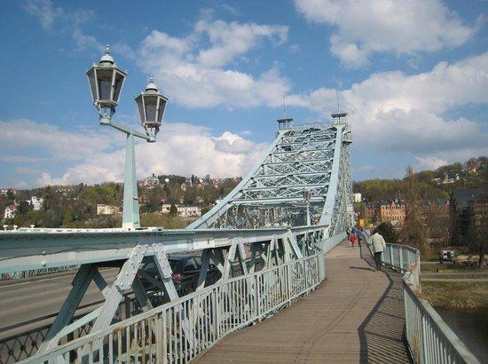 Loschwitzer Brücke (Blaues Wunder): Pleasant view