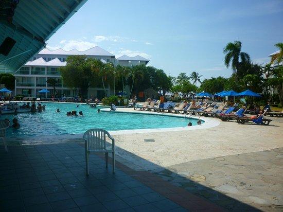 Grand Paradise Playa Dorada: La piscine