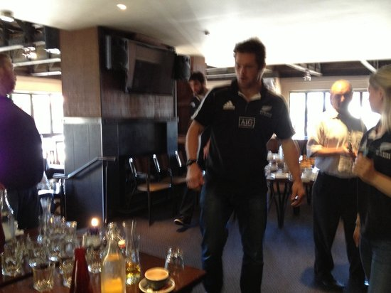 The Cornerstone Bar & Restaurant: All blacks