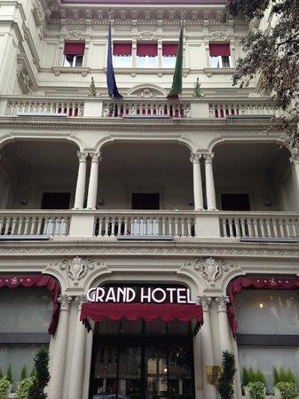 Grand Hotel Des Arts: Frontis del Hotel