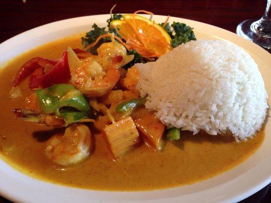 Thaicoon and Sushi Bar: Yellow curry w shrimp. SO good