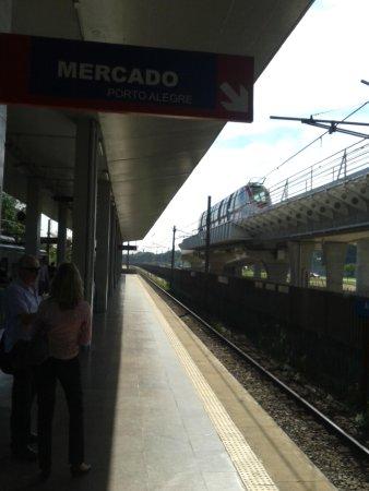 Porto Alegre Hostel Boutique: Trensurb