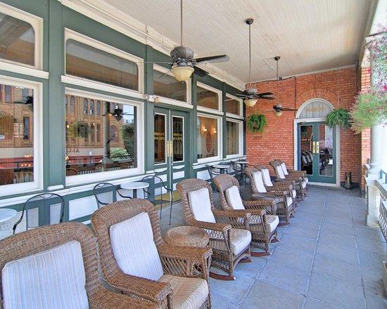 Floyd's Pub Veranda