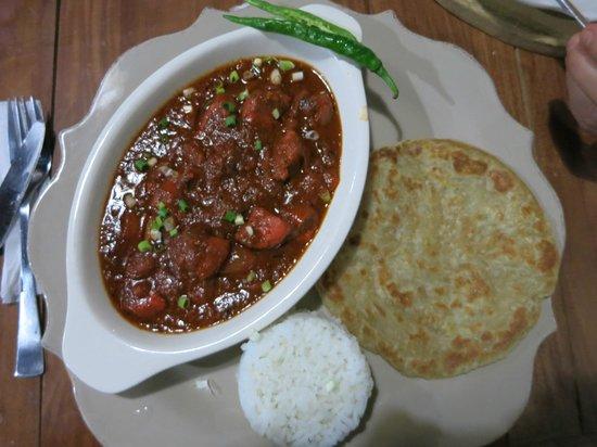 The Pleasure Principle Resto-Bar: Rotes Curry