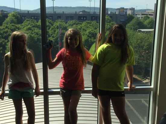 Kendyl and friends at The Chattanoogan