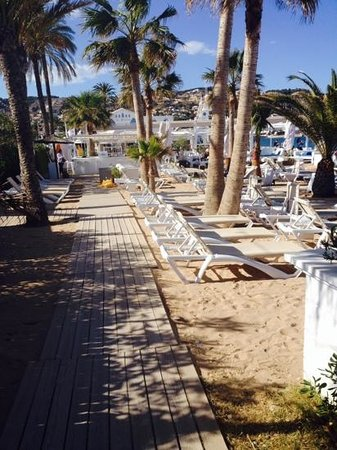 La Siesta : view from decking area
