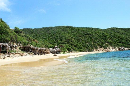 Tehualmixtle, México: Playa de oleaje suave