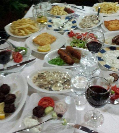 Vigli Restaurant: Fantastisk mat og veldig hyggelig betjening. Beliggenheten og utsikten må bare oppleves.