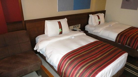 Holiday Inn Resort Dead Sea: Two double beds