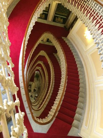 Hotel Bristol Palace : Staircase from the 6th floor